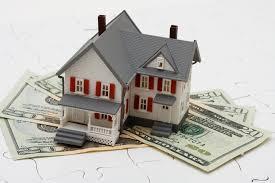 Bạn có thể vay vốn ngân hàng để mua trước căn hộ, đất đai sau đó thế chấp sổ đỏ của chính tài sản đó cho ngân hàng.